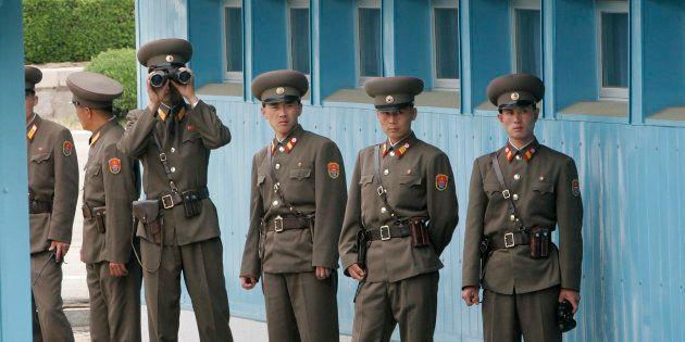 板門店の北朝鮮軍兵士