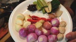 今すぐ食べてみたいインドネシア料理は、スパイスと旨味たっぷりの「アヤム・バカール」