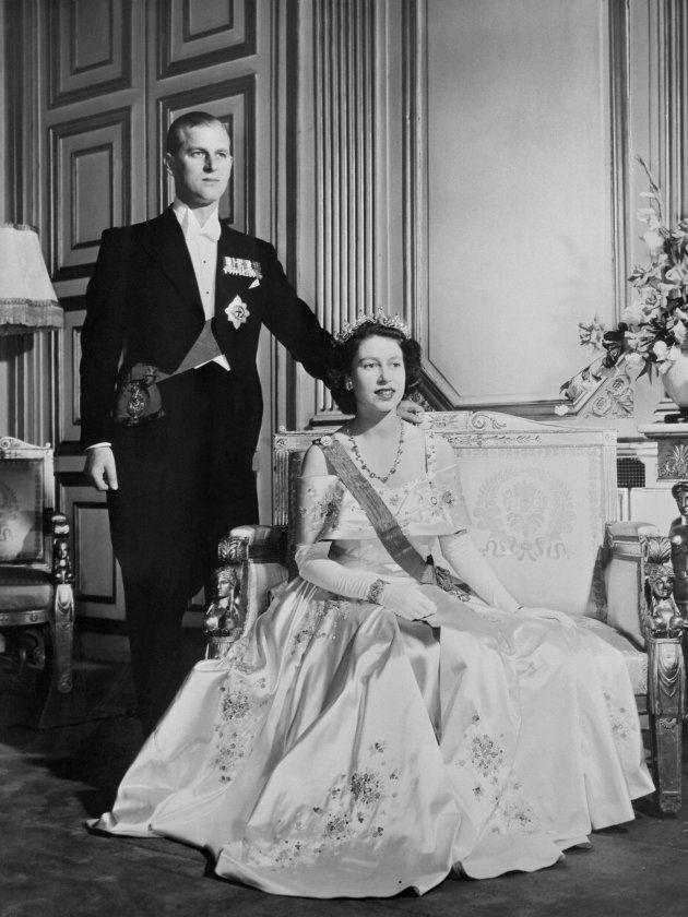エリザベス女王とフィリップ殿下(1947年11月20日、ロンドン・バッキンガム宮殿)