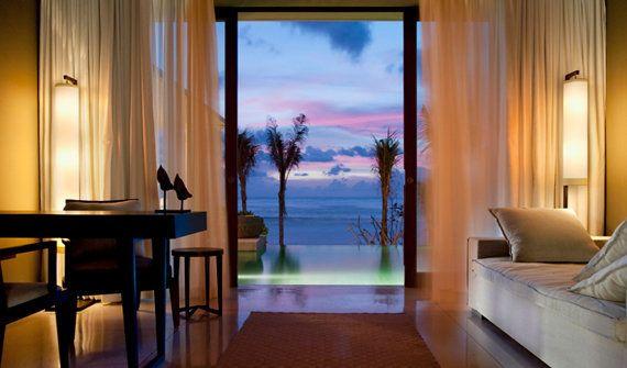 【バリ島 - ライステラスと海に囲まれたホテル -