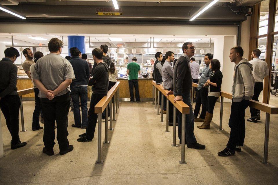 Facebookの社員食堂には、テクノロジーが駆使されて、いない(画像)