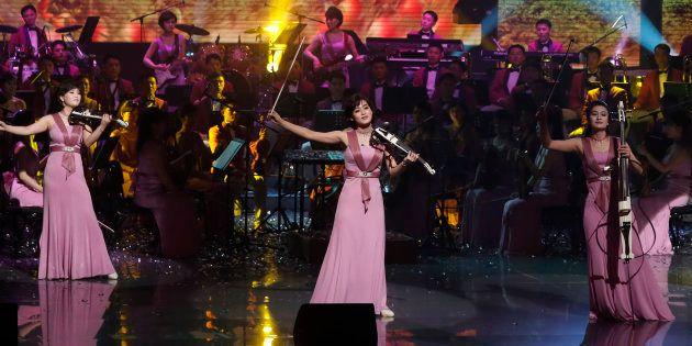 韓国で公演する北朝鮮「三池淵管弦楽団」 (Photo by Kim Hong-Ji - Pool/Getty