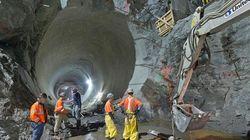 巨大地下トンネル:ニューヨーク市地下鉄事業(写真)