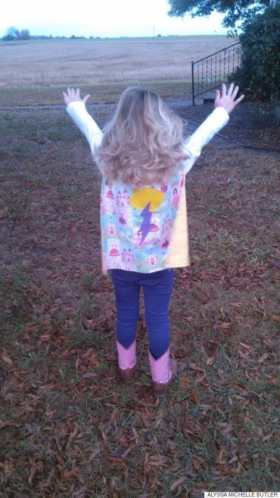 スーパーヒーローの日、白血病の少女が選んだコスチュームは?