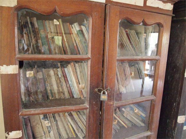 教室に生徒80名、本棚に施錠。バングラ全体にはびこる、根深い教育問題