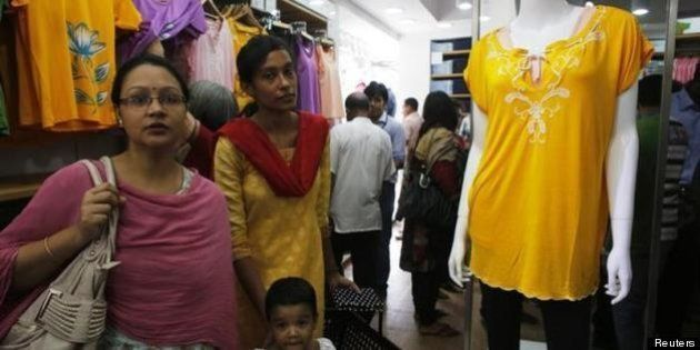 ユニクロがバングラディシュに出店「ソーシャルビジネスベンチャー」としてグラミン銀行と雇用創設を目指す