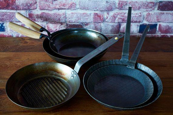 鉄のフライパンは、大切に使えば軽く100年以上は使える