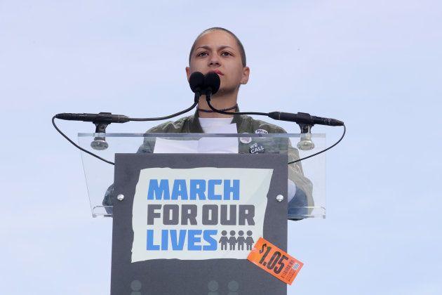 銃撃を生き延びた高校生は、スピーチ中の「長い沈黙」で世界の心をつかんだ。
