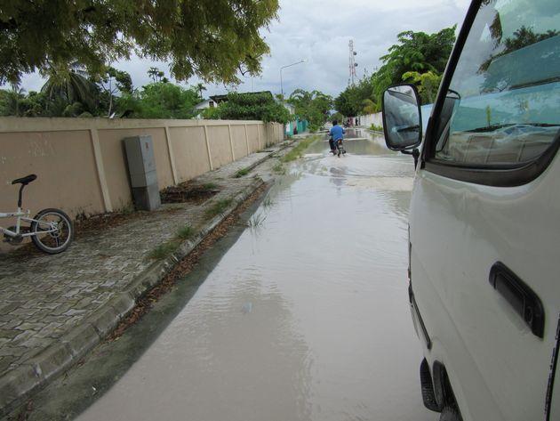 強い雨が降るとすぐに水たまりが