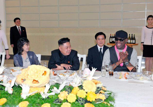 「トランプ帽かぶる金正恩氏」の合成写真をツイート デニス・ロッドマン、驚きのバスケ外交