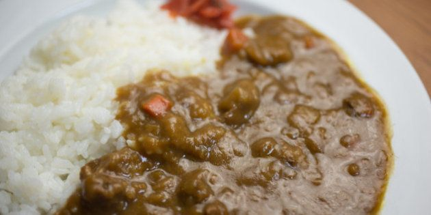 Curry (カレー) is one of the most popular dishes in Japan. It is commonly served in three main forms:...