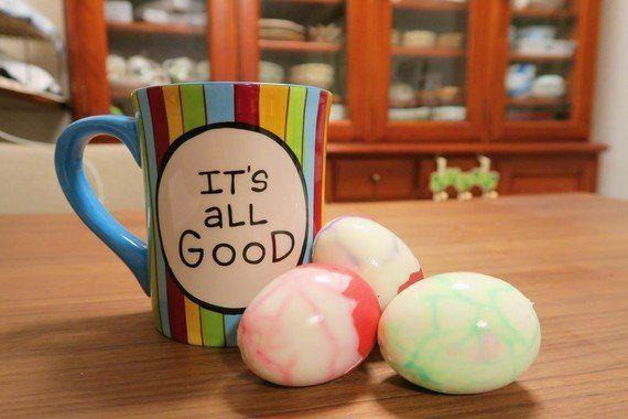 卵を漬けるだけ!ハロウィンは子供と「魔女の卵」作りに挑戦だ!