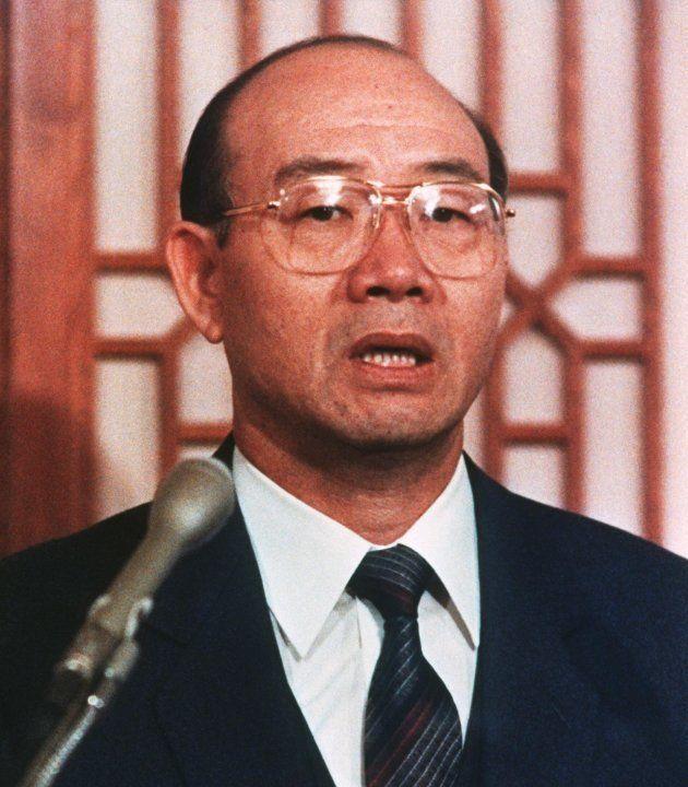 光州事件と一族の不正で国民に謝罪会見をする全斗煥前大統領(1988年、ソウル)