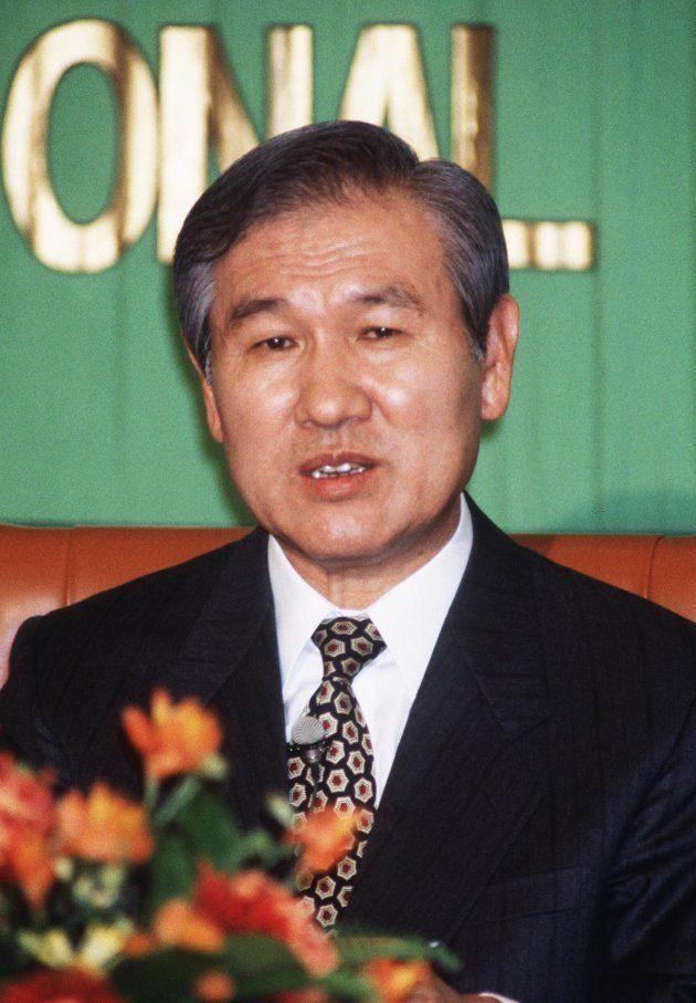 記者会見する韓国の盧泰愚大統領(1990年、東京・千代田区内幸町の日本記者クラブ)