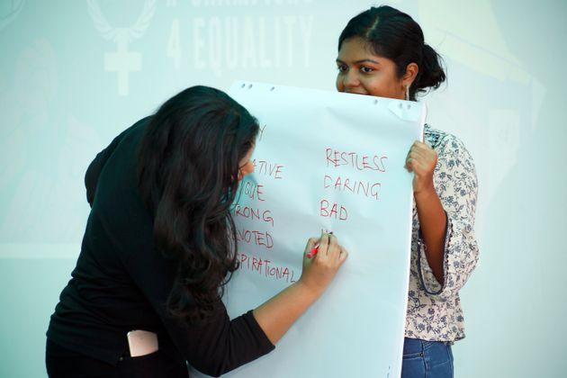 UNDPの現地職員の女性たちがワークショップをリード