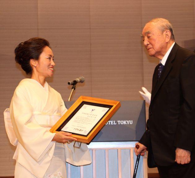 長年の功績が認められ、2017年、中曽根康弘賞の優秀賞を受賞