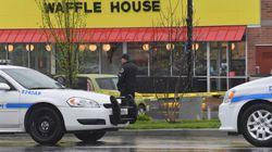 裸にコートを羽織った男がレストランで銃乱射、少なくとも4人死亡 容疑者は裸で逃走