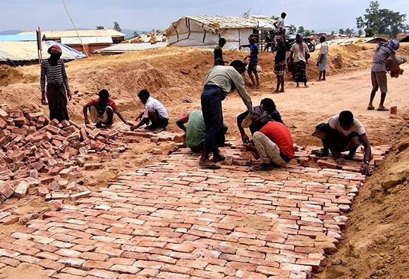 ミャンマー避難民:キャンプの災害に備える