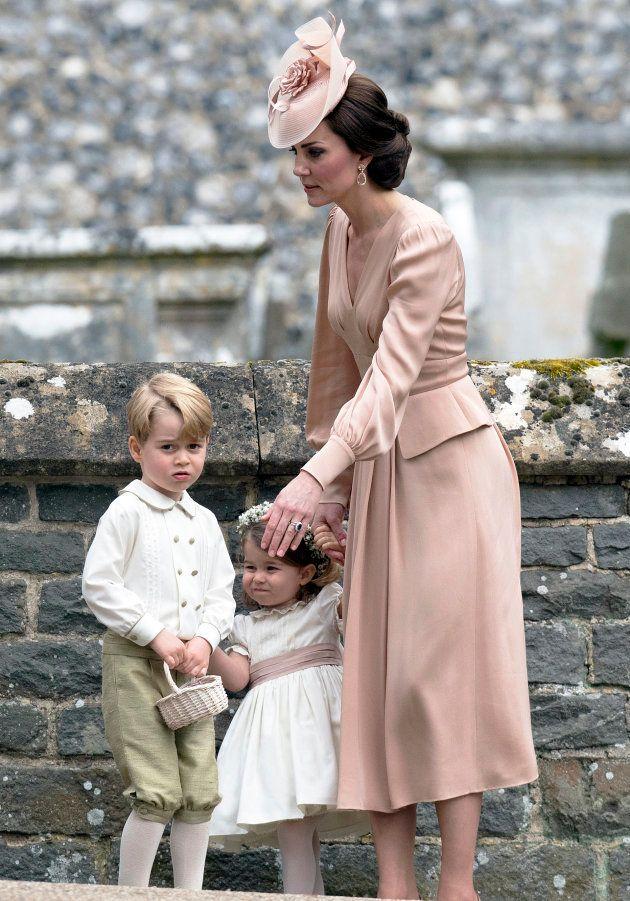 ピッパ・ミドルトンの結婚式でのキャサリン妃、ジョージ王子、シャーロット王女