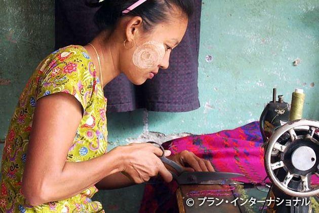 縫製の訓練を受け技能を習得したウサニさん
