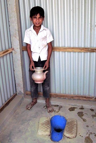 ミャンマー避難民の生活を支える衛生施設