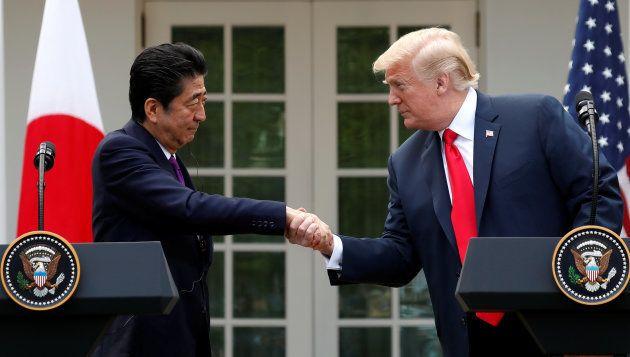 ともに会見に臨んだトランプ大統領と安倍首相