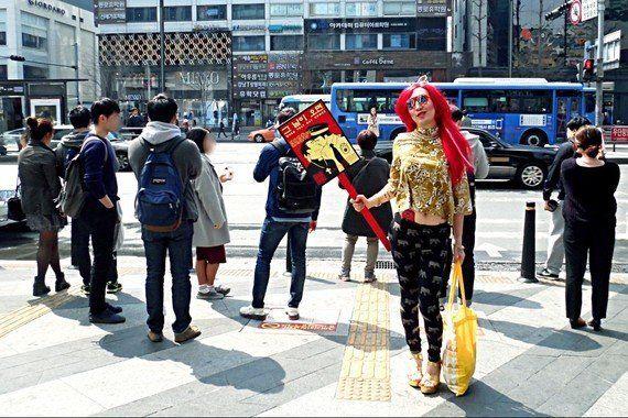 韓国のドラァグクイーン「ハリケーン・キムチ」は、ソウルで何を訴えたか