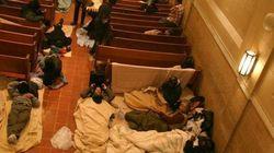 ニューヨークの暴風雪がホームレスを直撃 緊急事態で屋内に避難