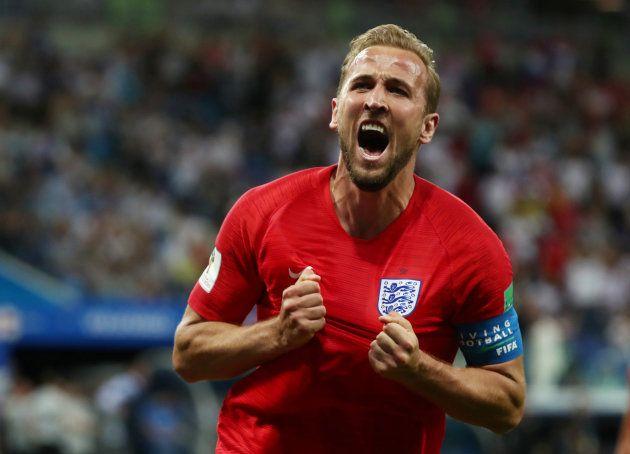 チュニジア戦でゴールを決め、雄叫びをあげるイングランドのケイン=6月18日、ロシア・ボルゴグラード
