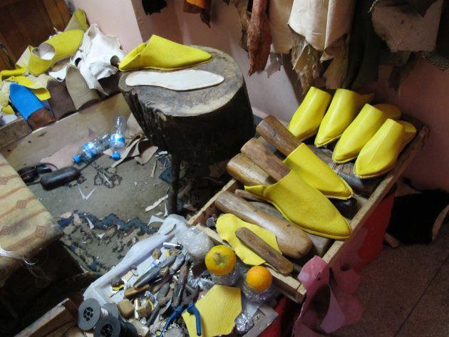 伝統的な手作りのバブーシュ・スリッパ