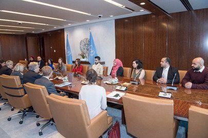 アントニオ・グテーレス国連事務総長の正面に座るアリーさん。2017年11月に国連本部で開催されたパレスチナ人ジャーナリストのための研修で