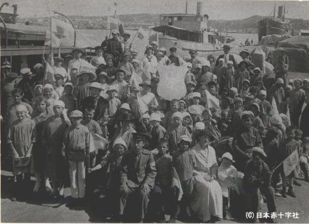 ウラジオストクから樺太丸で日本に向かうポーランド孤児