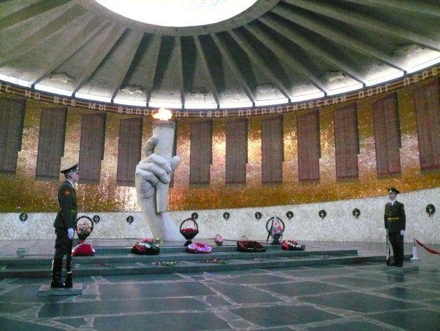 「母なる祖国像」の地下にある、スターリングラード攻防戦で亡くなった兵士らの追悼施設