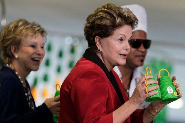 カシローラをPRするルセフ大統領(当時)=2013年4月