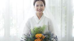 「メガネ先輩」が結婚。平昌オリンピックのチームメイトが笑顔で祝福。