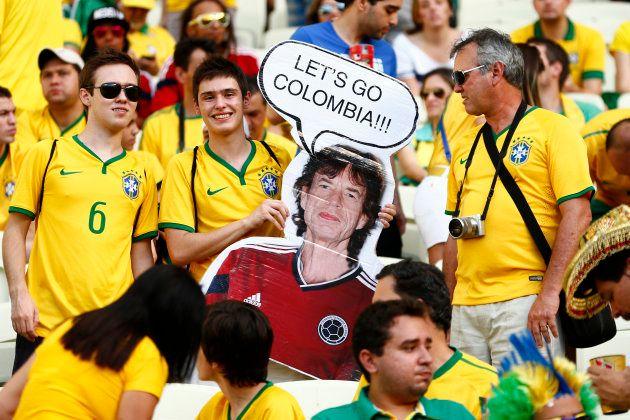 「呪い」にあやかり、対戦相手のコロンビアを応援させるブラジルサポーター(2014年ブラジル大会)