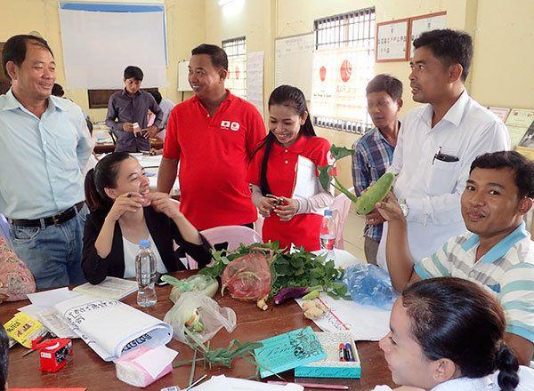 カンボジア:障がい児に向き合う姿勢に変化を起こす
