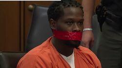 法廷でおしゃべりが止まらない被告、口を粘着テープでふさがれ、判決聞くはめに。オハイオ州の判事が怒りの措置