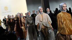 ファッション界のアメリカンドリーム。移民たちがヒジャブをまとってニューヨークのランウェイを歩く