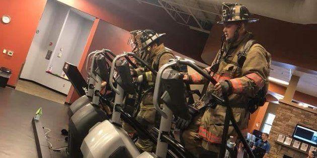 アメリカ同時多発テロを追悼する「110段の階段上り」。消防士らが命を落とした仲間に捧げる