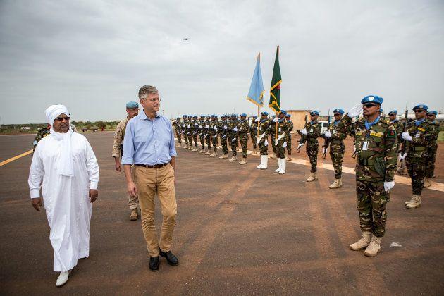 国連マリ多面的統合安定化ミッション(MINUSMA)を視察するジャン=ピエール・ラクロワ
