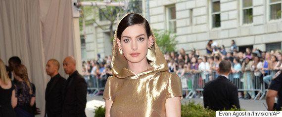 マイリー・サイラスのドレスが凄い。MTV授賞式(画像集)