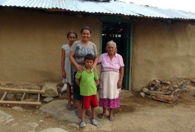 ホンジュラスで農業を営むマリアさん一家。Photo:WFP/Rocío