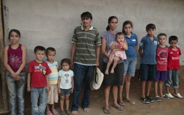 10人の子どもを抱えるチャネルさん一家。Photo: WFP/Rocío