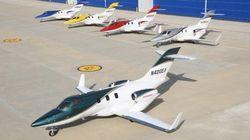 ホンダジェット、量産機が初公開 5色のカラバリ
