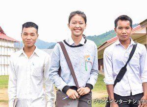 学校での変化について共有してくれたリーダーの女の子(左から2番目)