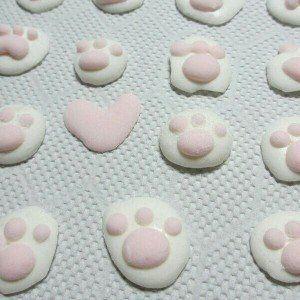 ぷにぷに食感がたまらない!猫好きさん必見の「肉球マシュマロ」!