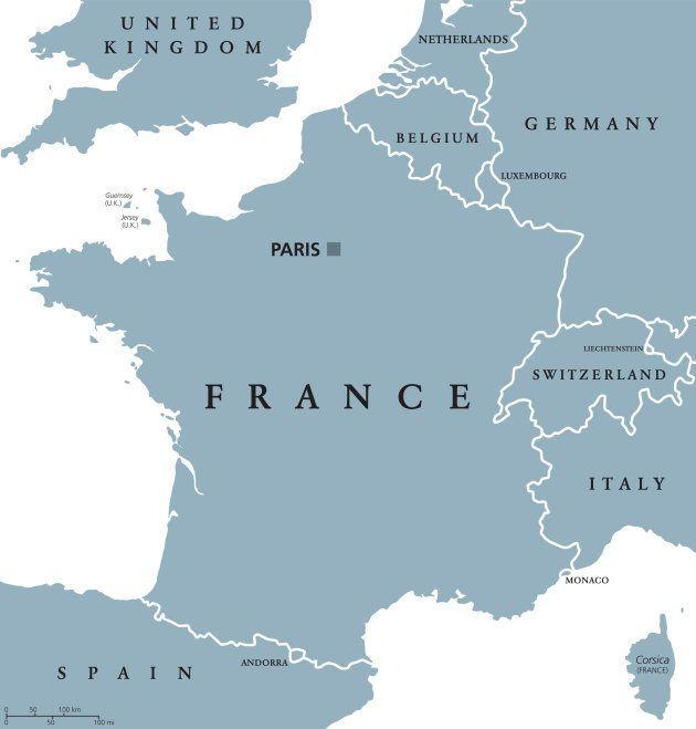 ルクセンブルクの位置は中央から見て右上。フランス、ドイツ、ベルギーの三国に囲まれている。