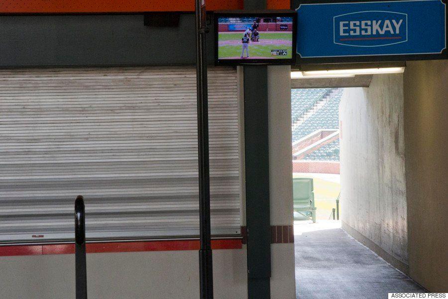 【ボルティモア暴動】史上初の無観客試合、球場から観客が消えた(画像)