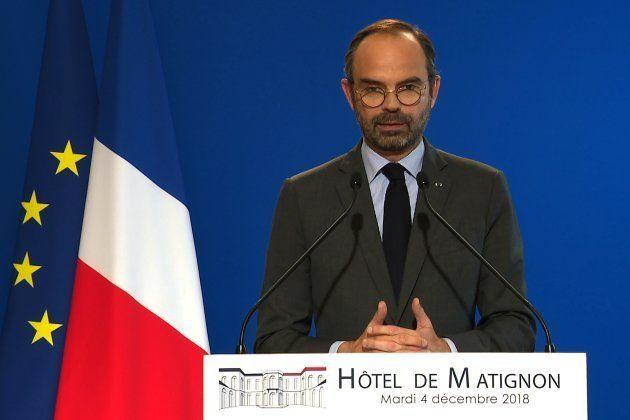 燃料増税の延期を発表したエドゥアール・フィリップ首相